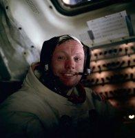 589px-Neil_Armstrong.jpg