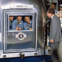 600px-President_Nixon_welcomes_the_Apollo_11_astronauts_aboard_the_U.S.S._Hornet.jpg
