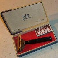 Gem Junior  with slim Bakelite Parade handle (2).jpg