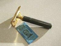 Vintage-Gillette-HEAVY-GOLD-TECH-DE-Safety-Razor.jpg